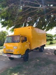 Vende-se caminhão baú Fiat 80