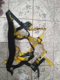 Cinto de segurança 100 reais