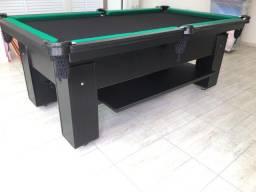 Mesa Charme e Bancos L. Cor Preta Tecido Preto e Borda Verde Mod. BSAE9023