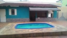 Casa espaçosa com piscina no Paraíso