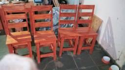 Cadeiras De Eucalipto muito resistenti e fina em acabamento