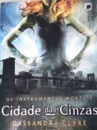 Livro , Os instrumentos mortais , cidade das cinzas