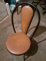 Vende se jogo de cadeiras