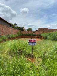 Lote no Residencial Itaipu - 300m2 ( oportunidade)