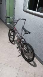 Bicicleta Caloi Cross bem conservada