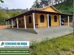 Sitio em Crucilândia/MG, 45 mil metros, com nascente, casa nova grande para exigentes