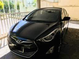 Carro Elantra Hyundai - 2015