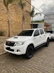 Toyota Hilux standard 2014 + acessórios - 2014