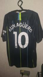 Camisa Manchester City 2018 2019 Kun Aguero Tamanho G Pronta Entrega nova  na etiqueta 3e4fee1f9a7e9