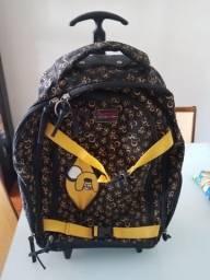 Vendo mochila Adventure Time pouco uso