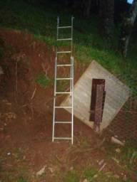 Vendo escada 6 x 12 degraus metalon.