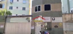 Apartamento com 3 dormitórios à venda por R$ 180.000,00 - Fátima - Fortaleza/CE