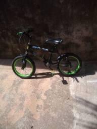 Bicicleta aro 16.