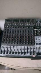 Manutenção de mesa de som
