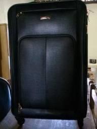 Vendo uma mala de couro!