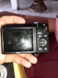 Camera Nikon coolpix a100 usada apenas uma vez