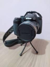 Câmera Nikon b700