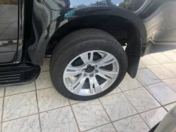 Vendo roda aro 20 com pneus