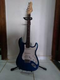 Guitarra Giannine Strato G-100 + capa + tripé + talabarte