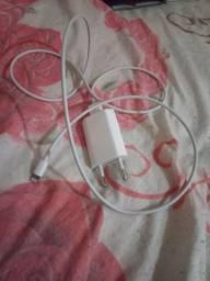 Carregador original iPhone + 2 fones