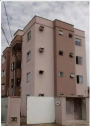 Apartamento com suíte + dois quartos em rua sem saída e a poucos minutos do centro de Jlle