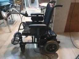 Cadeira de rodas motorizada ou troco por manual