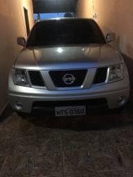 Nissan / Frontier XE 25 X2