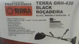 Roçadeira GRH430 movida a gasolina / Terra
