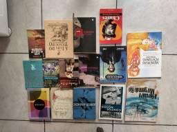 Vários livros. Preço a combinar, alguns novos e outros usados.