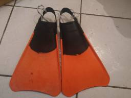 Vende-se nadadeira de bodyboard modelo tribord