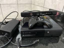 Xbox 360 com Kinect 1 manete