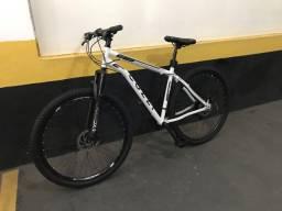 Bike COLLI Aro 29 semi nova (19?quadro )