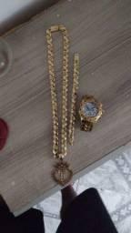 Cordão pulseira e relógio