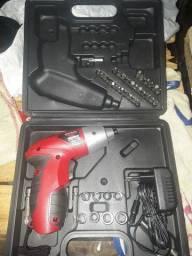 Parafusadeira portatil c/jogo de chaves nova