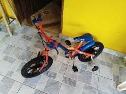 Bicicleta aro 16 com rodinhas laterais