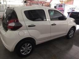 Vitória - Fiat Mobi Branco 1.0