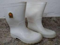 Bota plástica branca Sete Léguas Capataz, número 38 - cano médio - masculino ou feminino