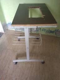 Vendo rack de ferro com rodinhas