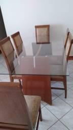 Vendo mesa de vidro com 06 lugares. De Uberaba/MG.