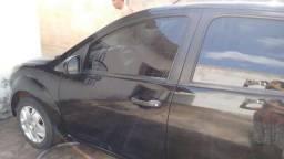 Ford Fiesta bem conservado - 2010
