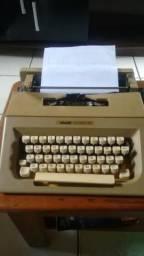 Vendo maquina de datilografia para colecionadores