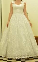 Vestido de noiva com renda aplicada n°36