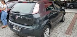 GB - Fiat Punto, ar condicionado direção hidráulica vidros e travas - 2013