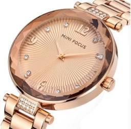 e7149ecca66 Relógio Feminino Mini Focus Rose ou Dourado com Cantos Lapidados à Prova  D água 100