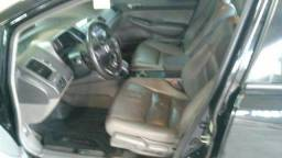 Honda Civic 1.8 LXS Flex 4p automático