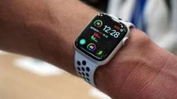 Apple Watch S4 40mm Gold Aluminium Case Pink