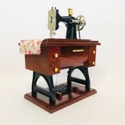 Miniatura de Máquina de Costura Musical<br><br>