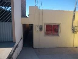Alugo boa casa de fundo na av.itacaiunas,centro da cidade nova 550,00