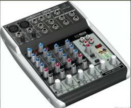 Mesa De Som Behringer Mixer Xenyx 110v Q802 Usb