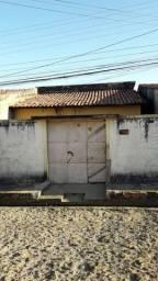 Casa à venda no bairro Promorar (LEIA)